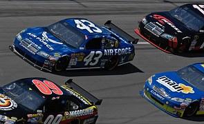 auto-racing-583592__180